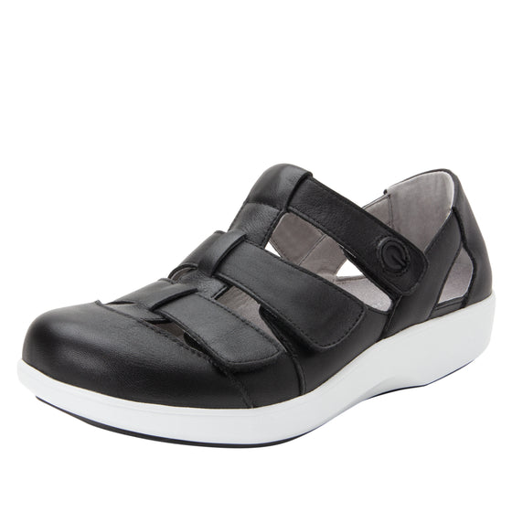 Treq Black three adjustable strap shoes with Q-chip™ technology. TRE-5003_S1