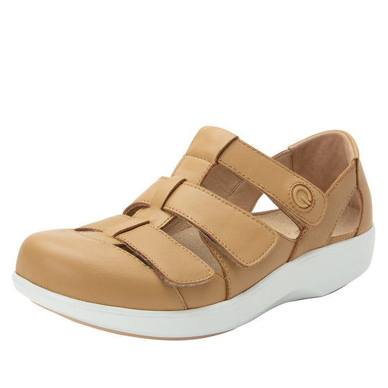 Treq Natural three adjustable strap shoes with q-chip technology. TRE-5253_S1