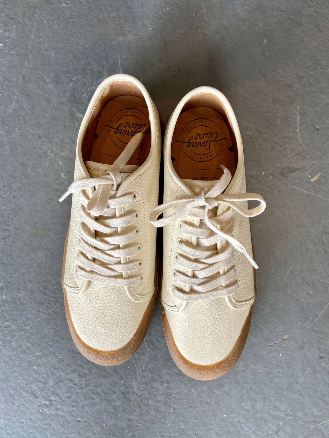 Springcourt G2 Grainy Nappa Leather white with Gum Sole