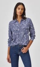 Load image into Gallery viewer, Equipment Slim Signature Silk Shirt in Bluestone Star