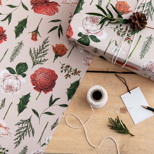 Berry Roses - Pink Christmas Gift Wrap