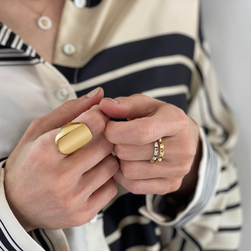 Woman Wearing Tracee Nichols Roman and Valor Ring Gold