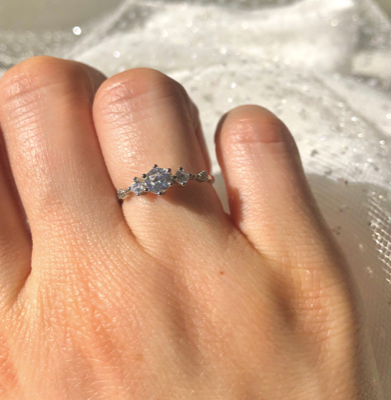 DAINTY PROMISE RING