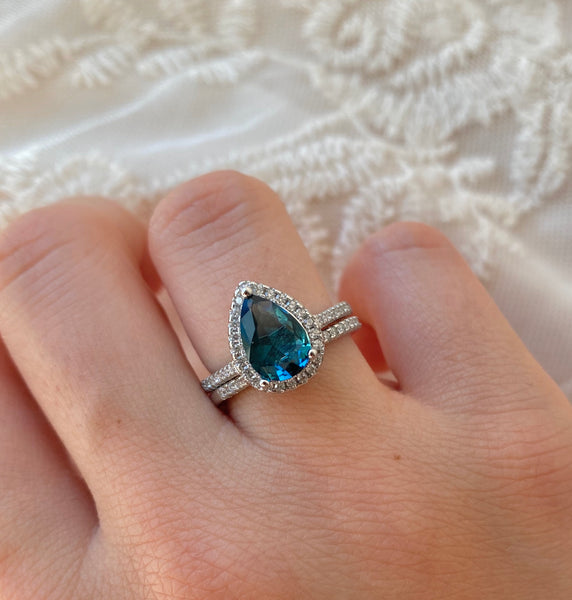 Peacock Pear Cut Ring Set