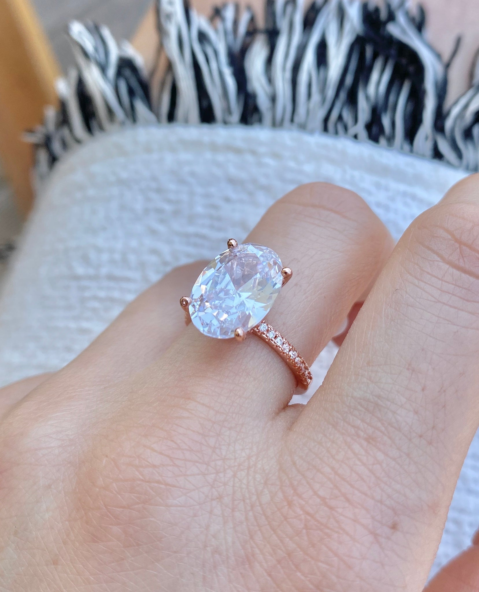 ROSE GOLD OVAL SOLITARE RING