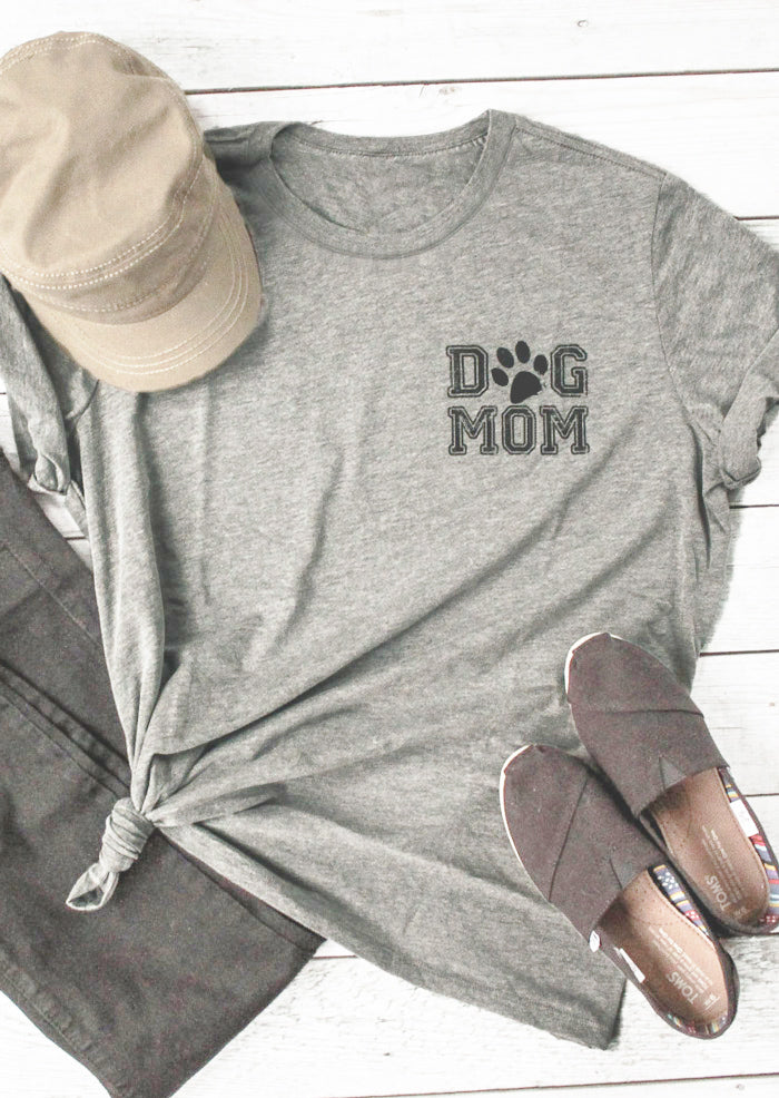 DOG MOM T-shirt Paw Graphic