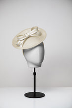 Load image into Gallery viewer, Rose & Medium Saucer Hat