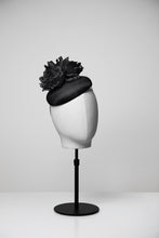 Load image into Gallery viewer, Mia & Button Fascinator