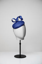 Load image into Gallery viewer, Olive & Button Fascinator