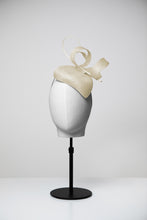 Load image into Gallery viewer, Jenny & Teardrop Fascinator