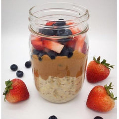 Overnight Oats with Peanut Butter and Fruit