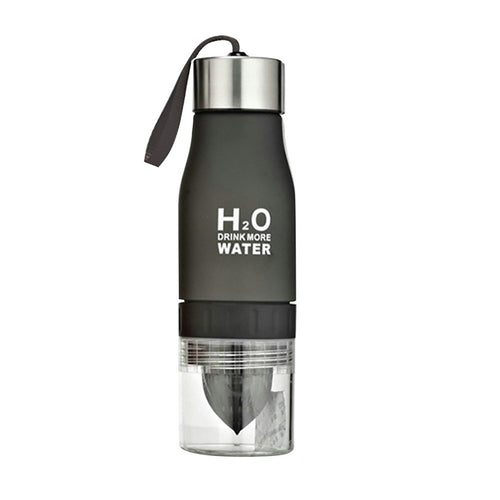 Portable 650ml Cup Manual Juicer H2O Drink More Water Outdoor Drinking Bottle