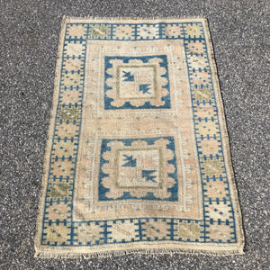 "R212: handmade wool area rug in light colors 2'9"" x 3'11"""