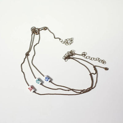 Short floral necklace
