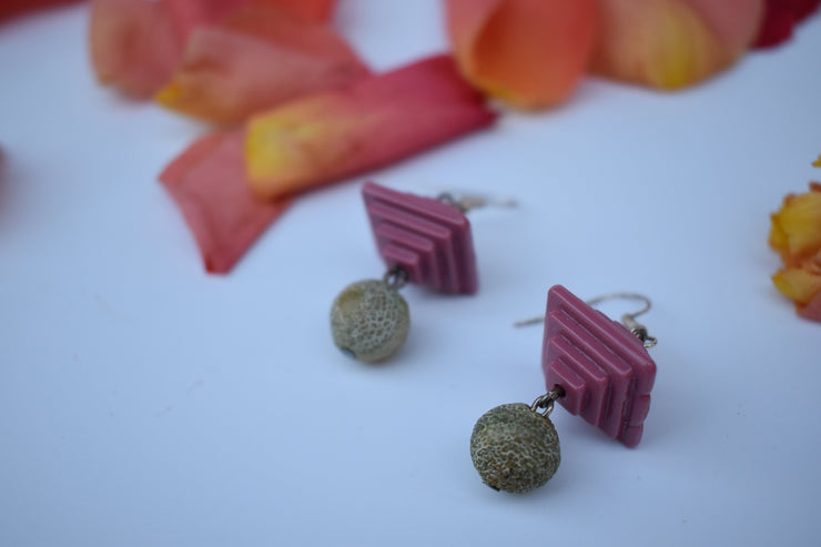 funky retro mauve pyramids and green agate beads