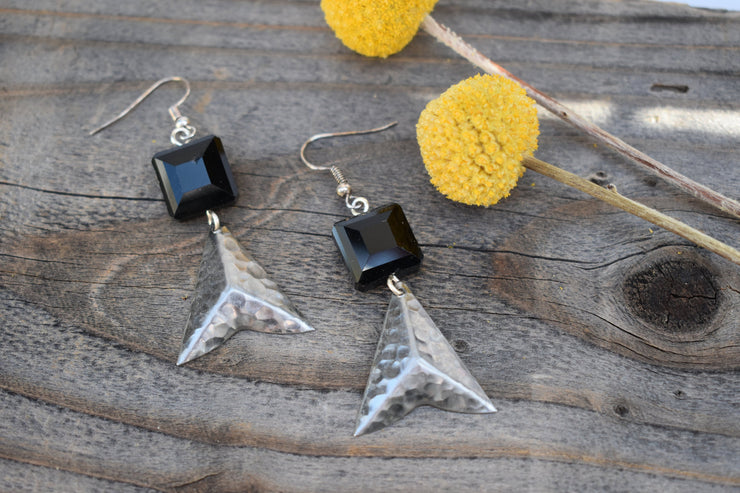Faceted black Crystal and Steel Arrow point triangle earrings. Silver and black fashion statement earrings, mid length