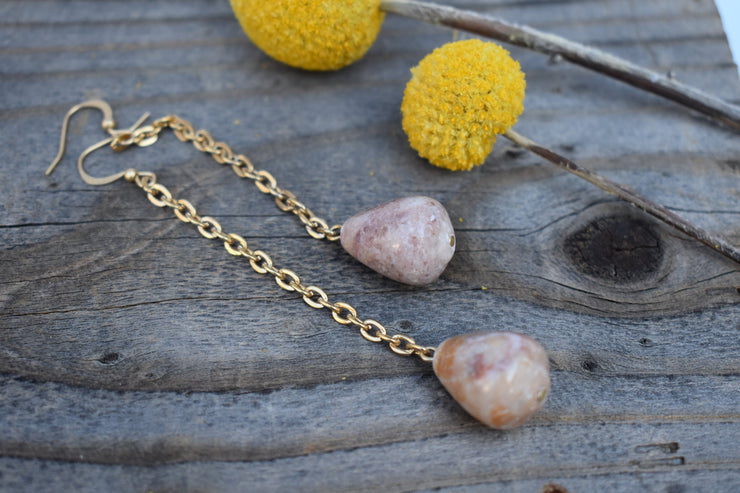 marbled stone dangle earrings with long gold chain, shoulder duster statement earrings.