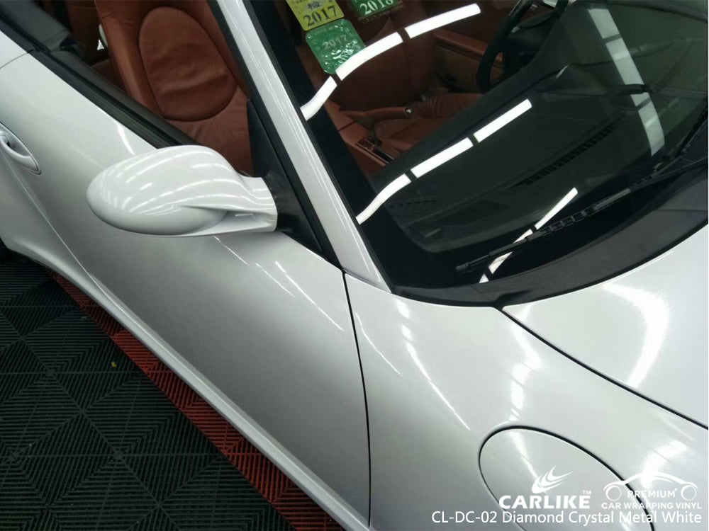 CARLIKE CL-DC-02 DIAMOND CRYSTAL METAL WHITE VINYL ON Porsche