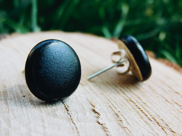 round black earrings