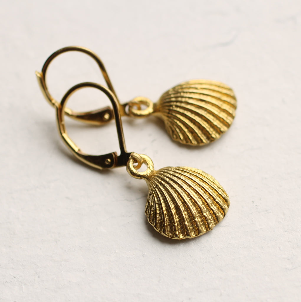 Tiny Clamshell Earrings - Earrings