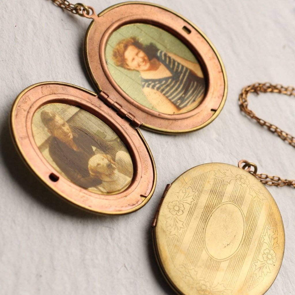 Victorian Locket - Necklaces