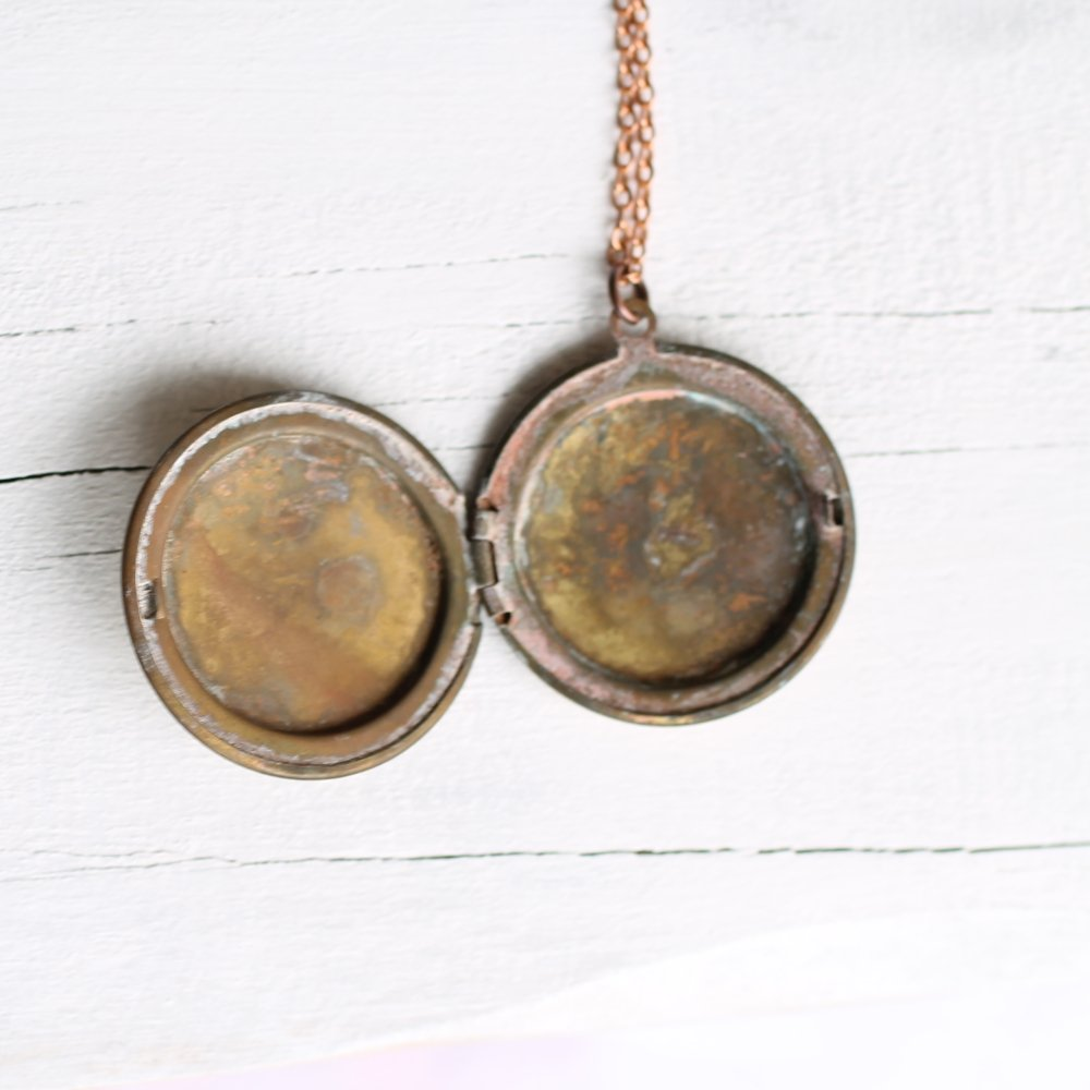 Bee Locket - Necklaces