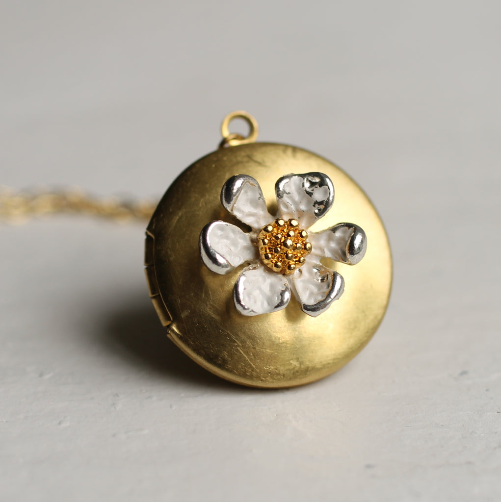 Daisy Flower Locket - Necklaces
