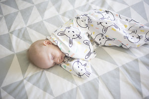 SLEEPY HUGS ORIGINAL - Some Bunny Loves You (All Year Round | Organic Cotton)