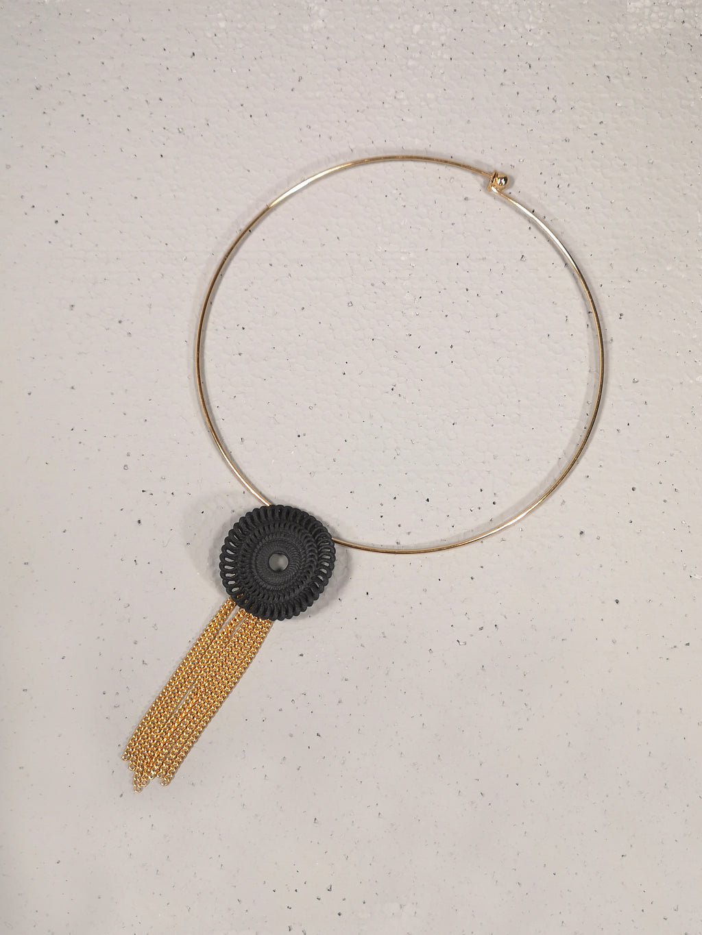 Circle Necklace Chocker with fringed pendant