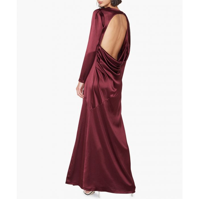 Bordeaux backless gown Outline