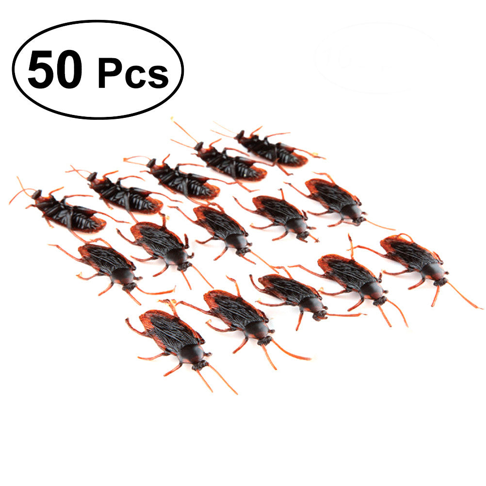 50pcs PVC Realistic Bugs Fake Cockroaches Spiders for Halloween Party Favors and Decoration
