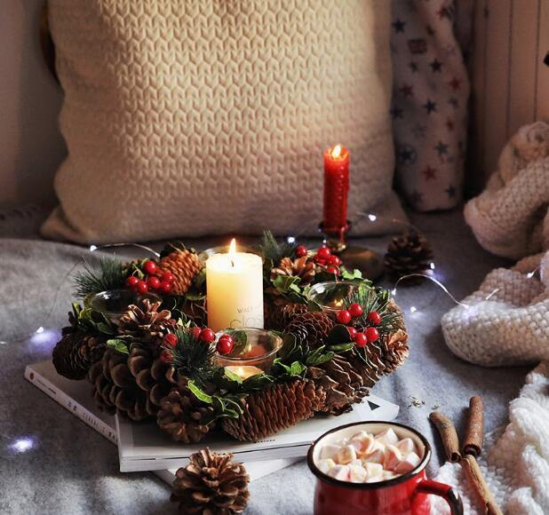 Berry-and-Pinecone-Candle-Holder.jpg