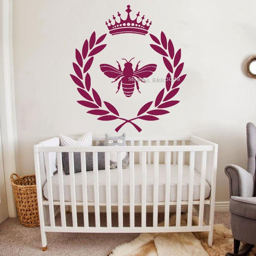 Wreath Crown Decal - Bee - Hop Decor
