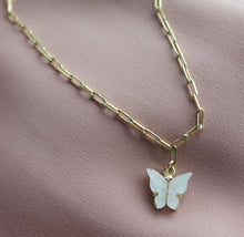 Load image into Gallery viewer, PEARL BUTTERFLY CHOKER
