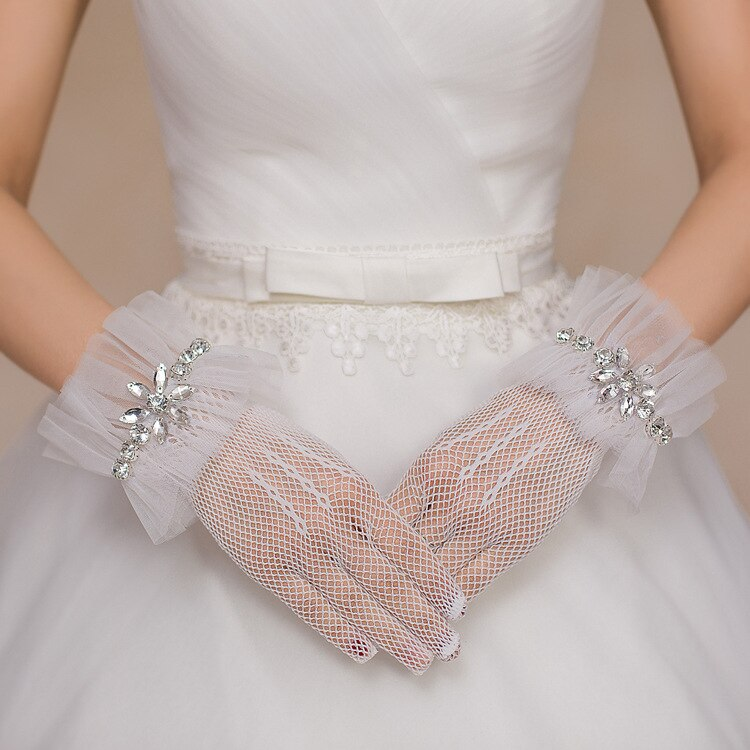 Short Bridal Gloves 2020 Wrist Length Finger Women Wedding Gloves Special Occasion Accessories In Stock