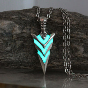 Glowing Green Arrow necklace Knight spear Necklace GLOW in the DARK Luminous pike Pendants & Necklaces women men boy girls gift