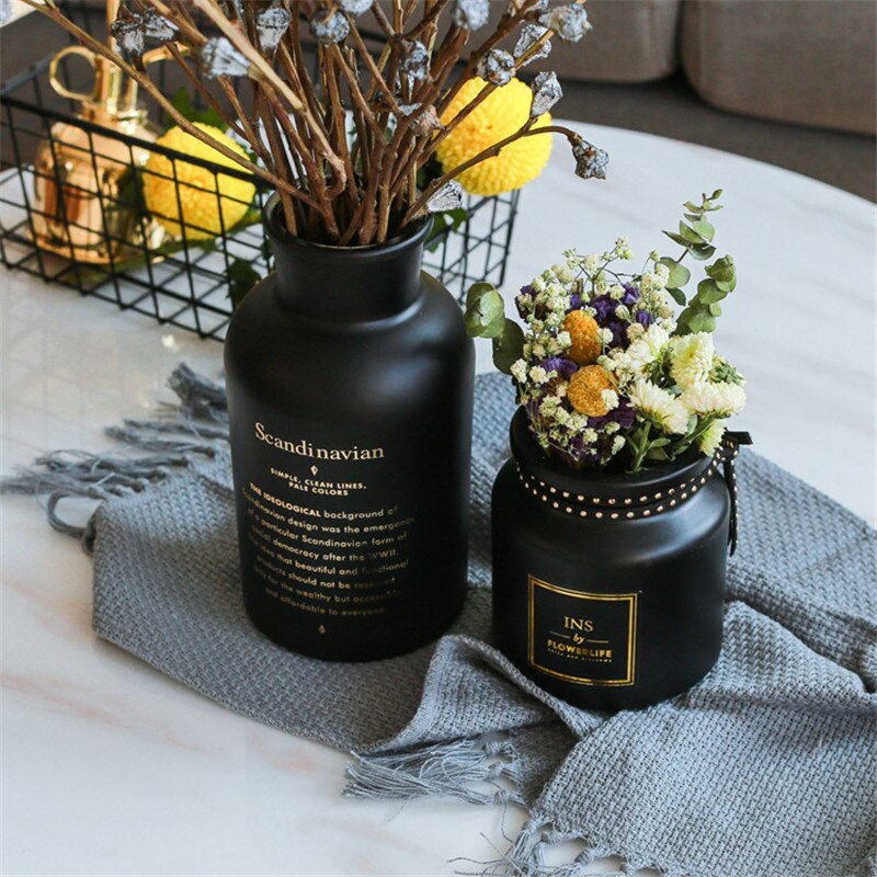 Vase Vintage Vase Modern Fashion Glass Black Glass Vase Handicraft Beautiful Living Room Bedroom Simple Family Decoration