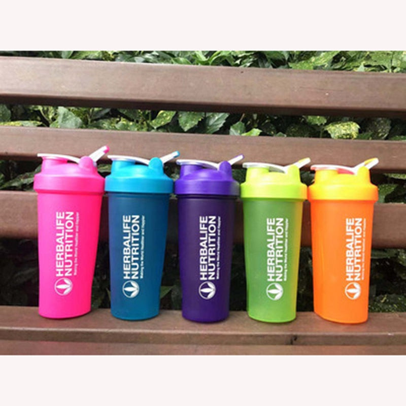 BPA Free Shaker Bottle Whey Protein Powder Mixing Bottle Sports Nutrition Protein Shaker Fitness Water Bottle