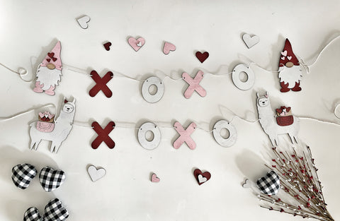 XOXO Llama Or Gnome Wood Banner