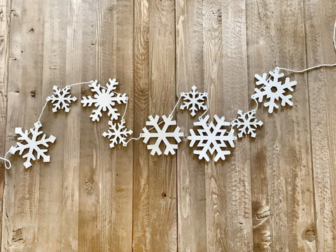 Snowflake Wood Banner Small & Big flakes
