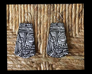 Via Wearable Art Earrings Black-White Style