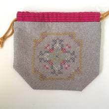 Load image into Gallery viewer, Cross stitch pouch