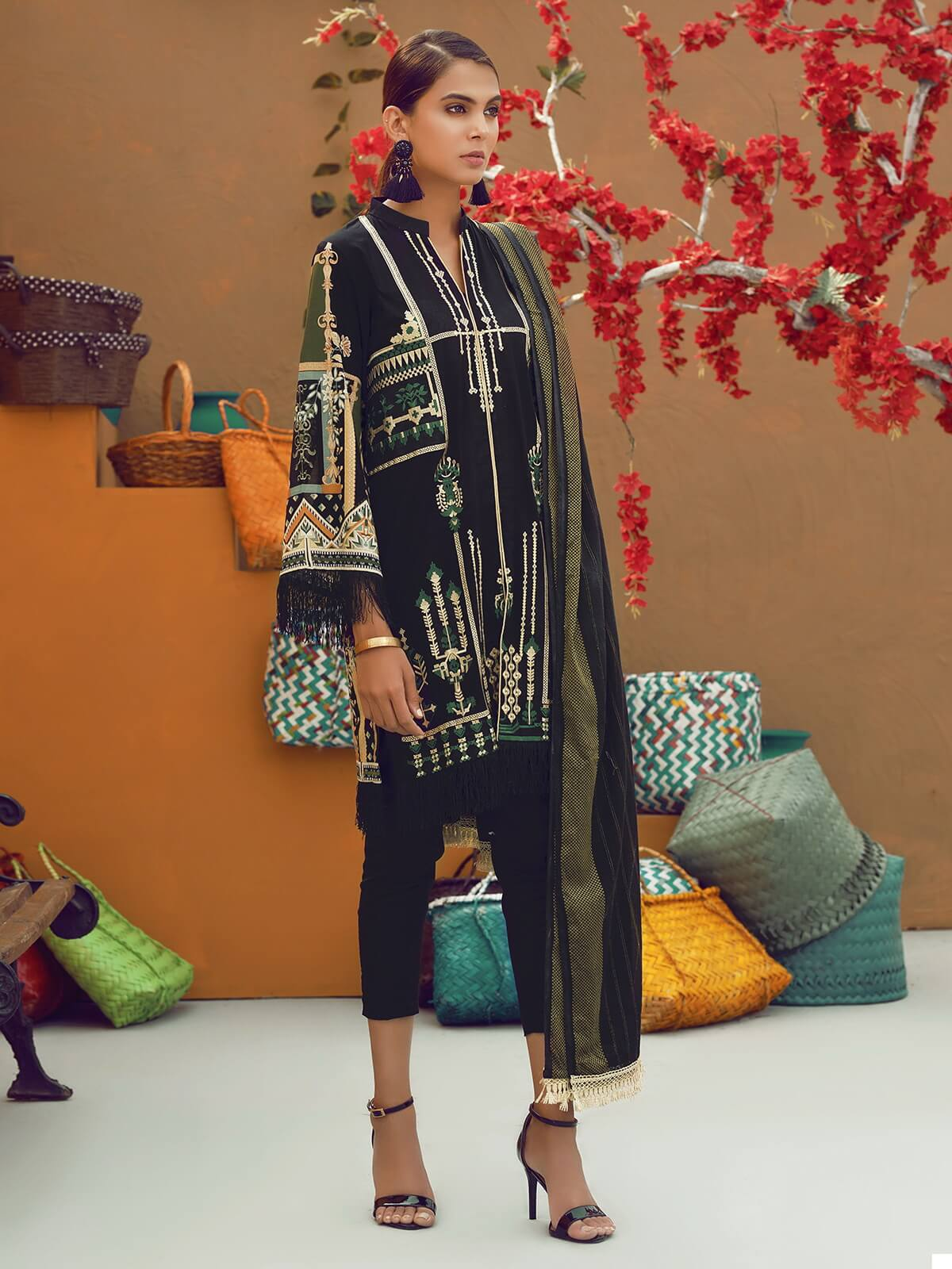 RajBari Supreme Voile Embroidered Lawn Collection 2019 3pc Suit 08A - FaisalFabrics.pk