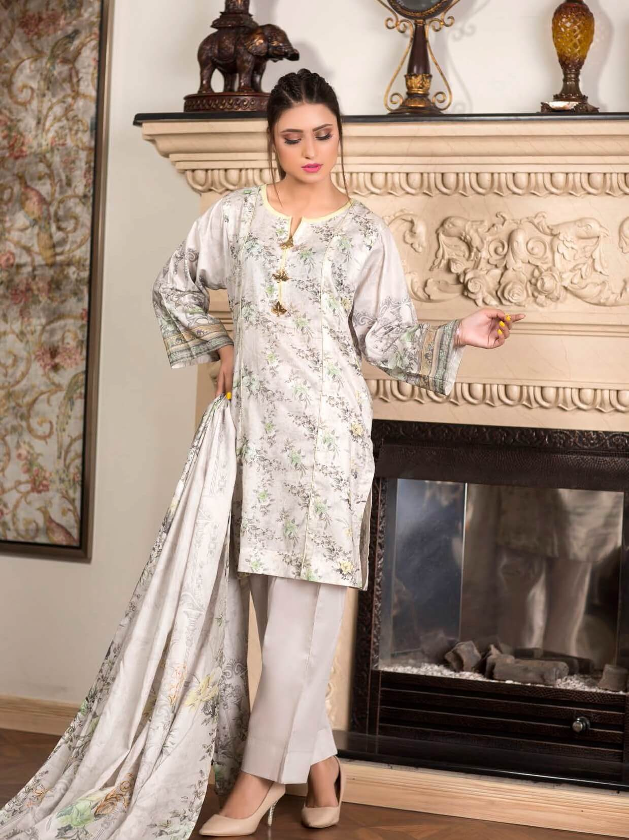 Firdous Digital Mother Lawn Summer 2019 Unstitched 3 Piece Suit 590A - FaisalFabrics.pk