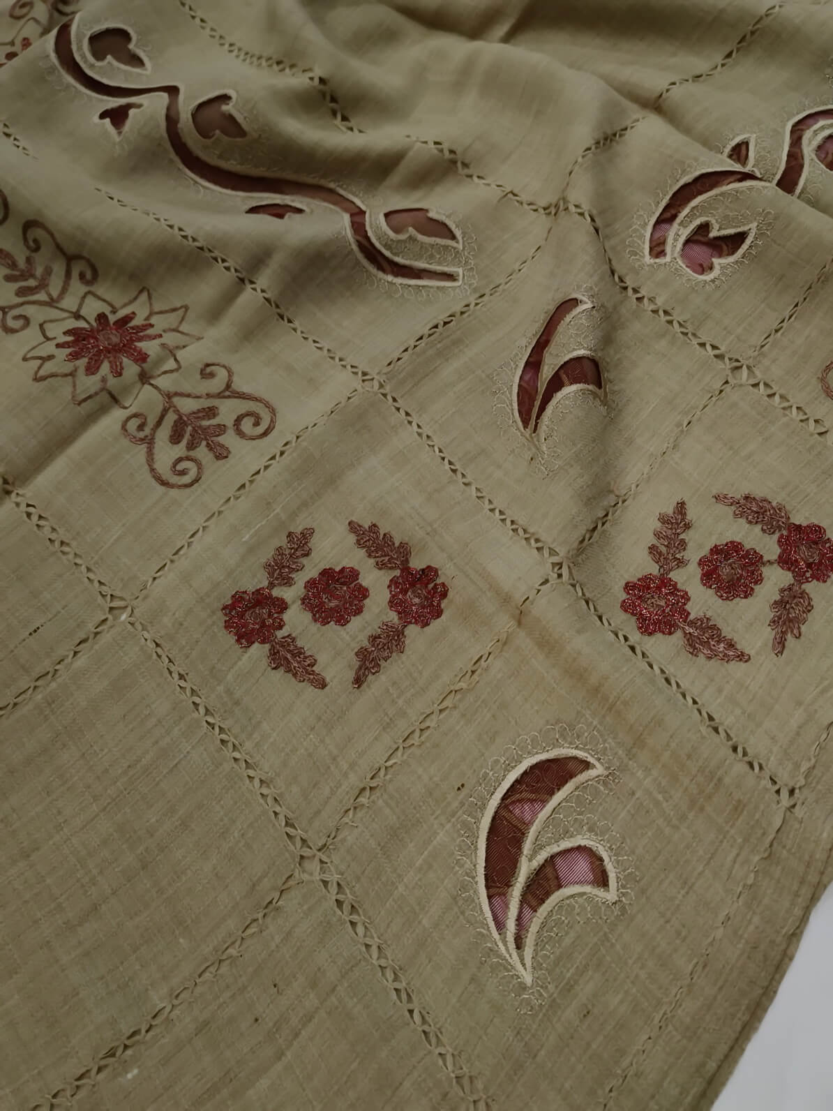 Womens Pashmina Wool Shawl with Tarkashi Embroidered Design AMS-05