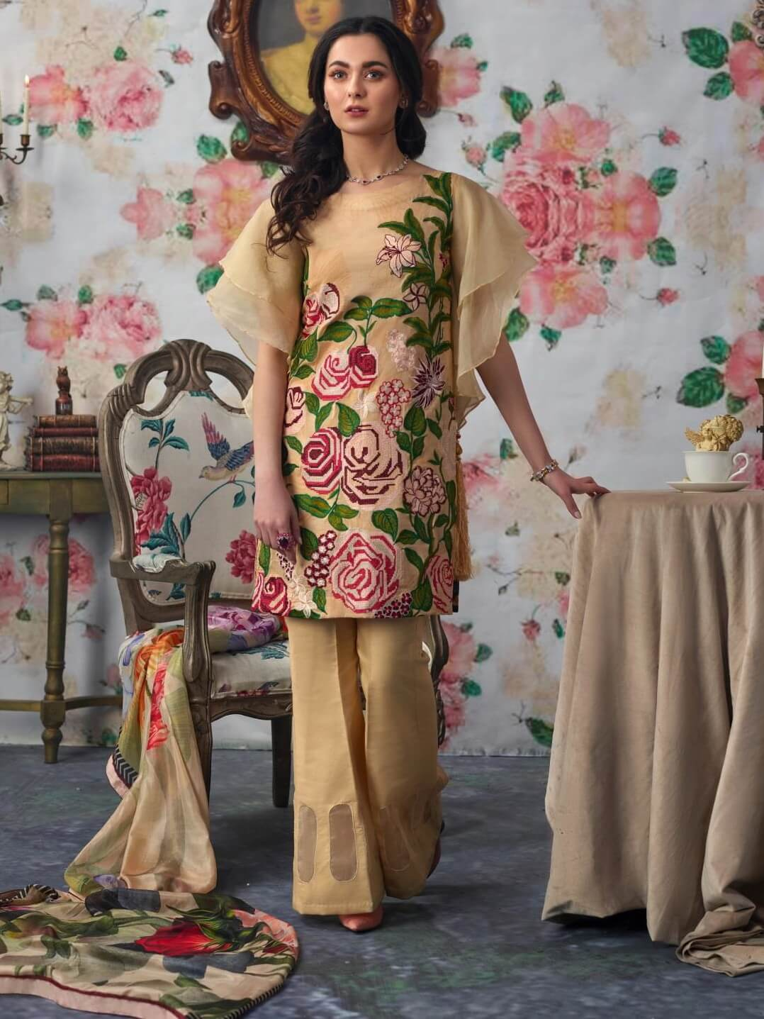 Asifa Nabeel Embroidered Lawn 3 Piece Suit AN19 10A Spring Summer 2019 - FaisalFabrics.pk