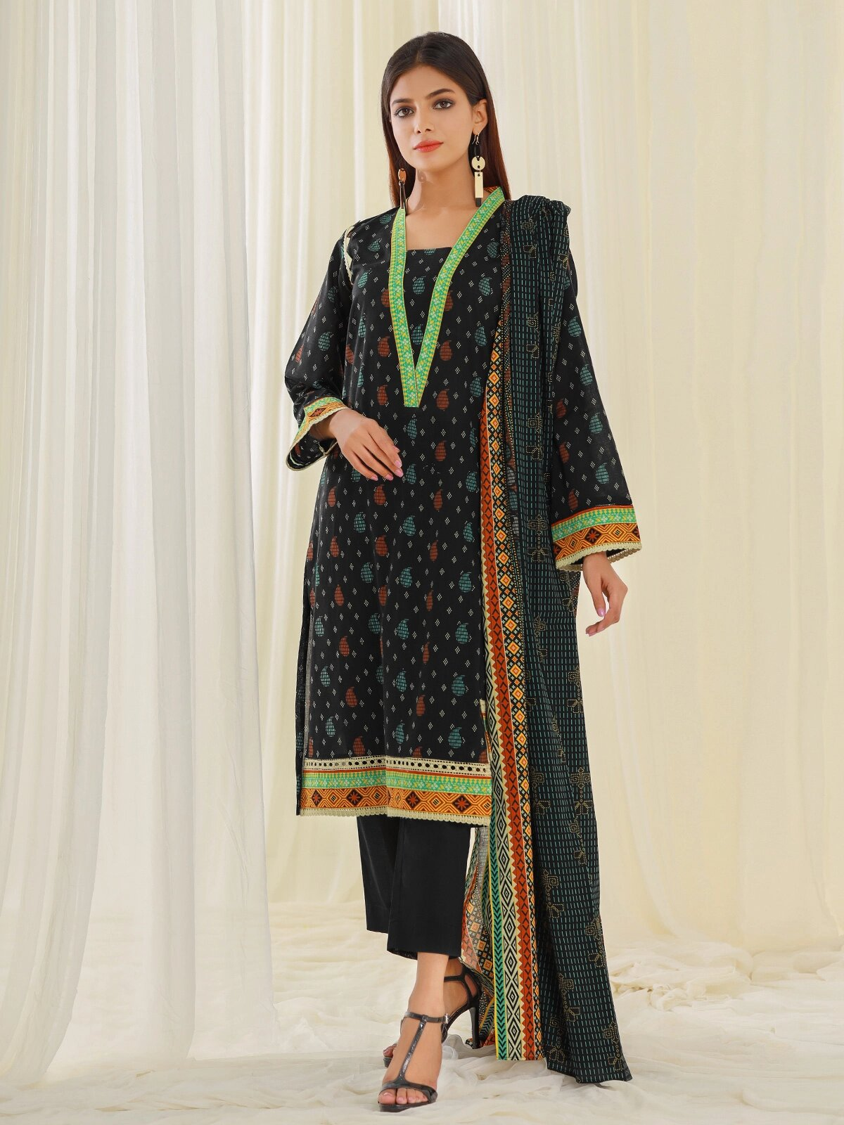 edenrobe Allure Lawn Unstitched 2 Piece Printed Suit EWU21A1-20587