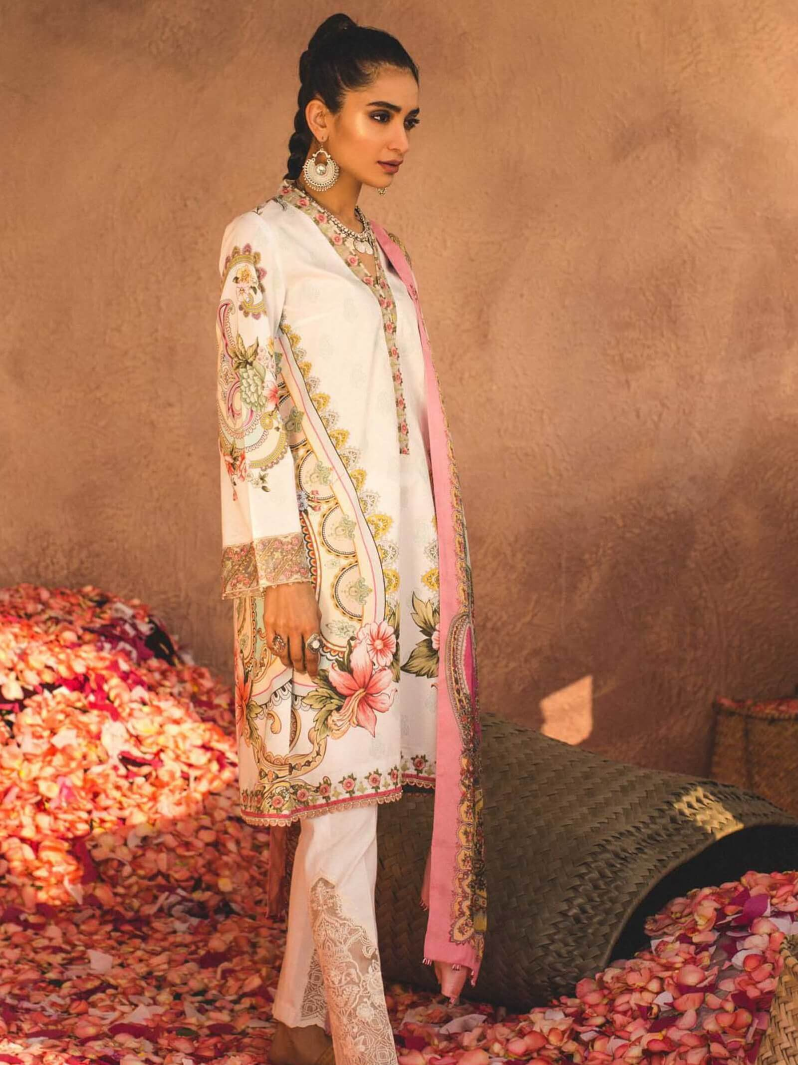 ZARA SHAHJAHAN Luxury Lawn 2019 Embroidered 3PC Suit LEHER B - FaisalFabrics.pk