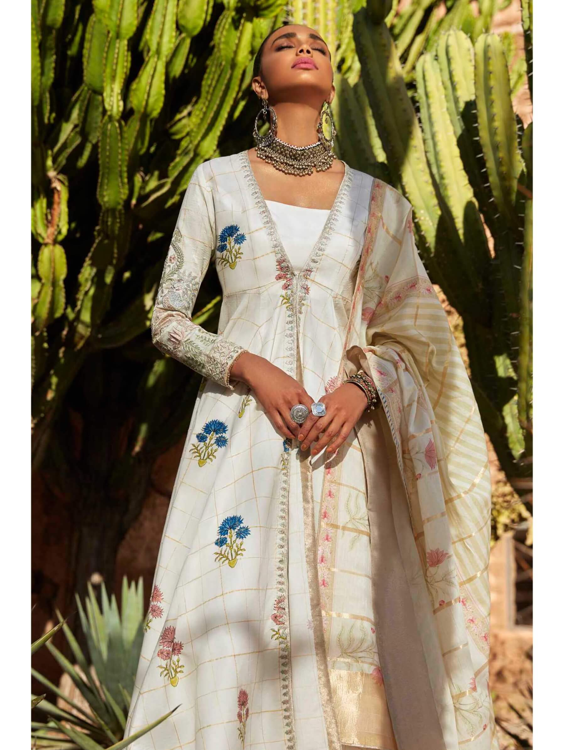 ZARA SHAHJAHAN Luxury Lawn 2019 Embroidered 3PC Suit PARIZEH A - FaisalFabrics.pk
