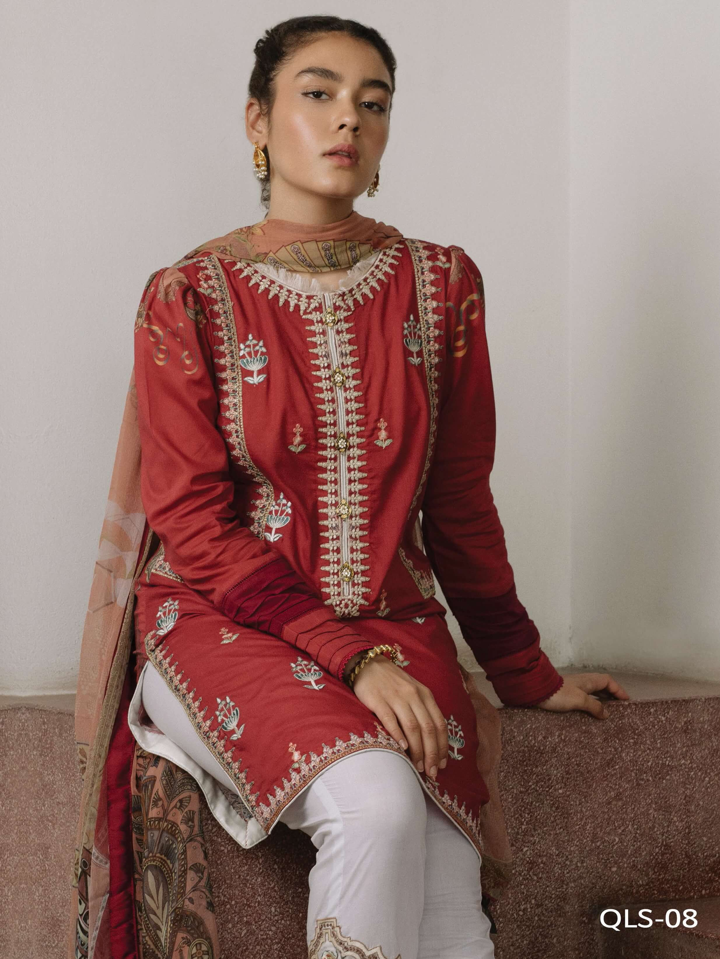 Qalamkar QLine Lawn Collection 2020 Embroidered 3 Piece Suit QLS-08 - FaisalFabrics.pk